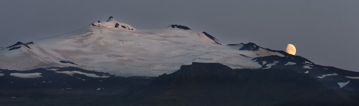Moon over Snaefellsjokull pano